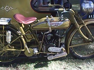 Vintage bike and sidecar Inverell 2017 .jpg