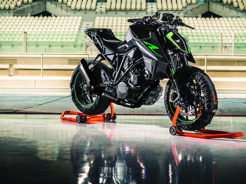 Bike-BlackExhaust-Green_zpsdifdb2sy.JPG